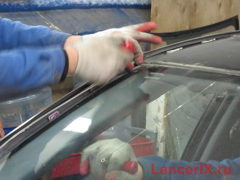 Снятие лобового стекла Лансер 9