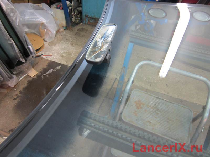 Новое лобовое стекло Лансер 9