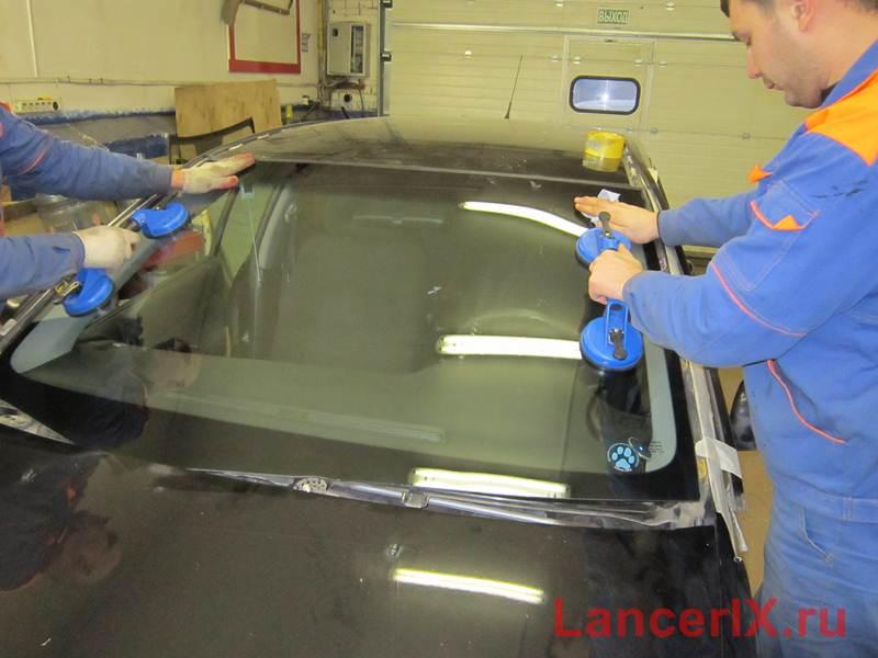 Замена лобового стекла Лансер 9