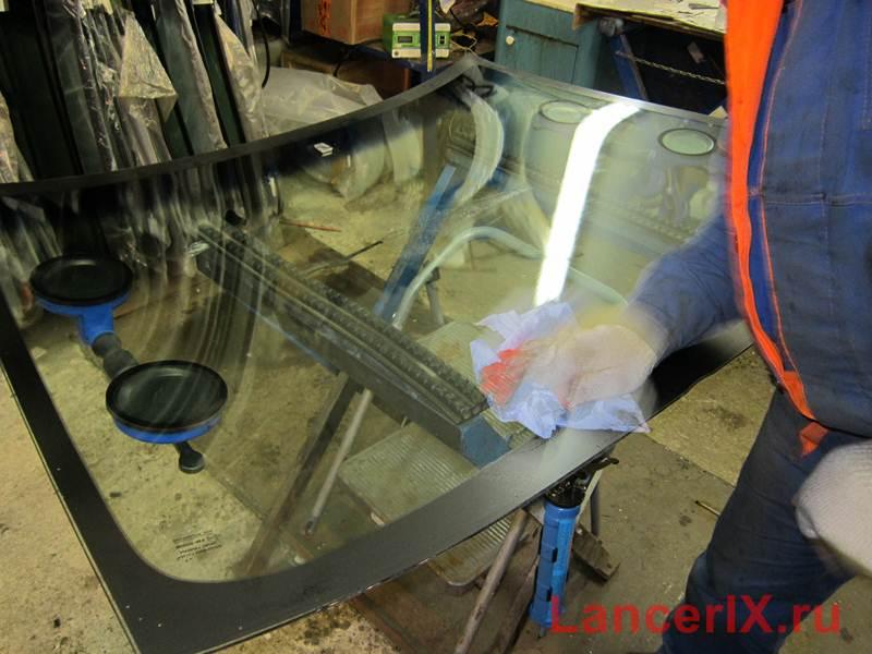 Подготовка лобового стекла Лансер 9