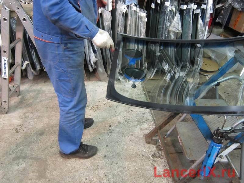 Грунтовка лобового стекла Лансер 9